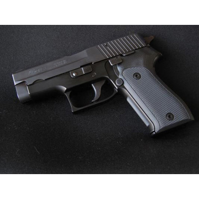 Sig P225 or P6 Hogue Extreme black checkered G-10 grip 27179